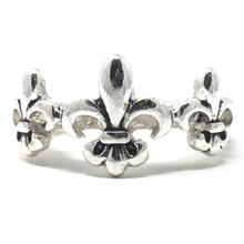 Silver Fleur De Lis Stretch Ring For Women - Costume Jewelry