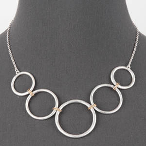 Silver Chain Open Circle Link Statement Necklace - Women's Fashion Jewelry