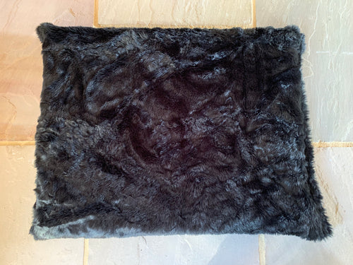 Super Luxurious Glossy Black Faux Fur dog Bed