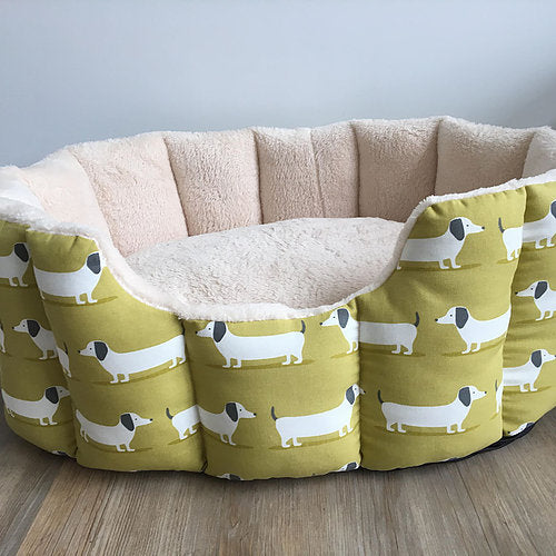 Deep Sided Snuggle Green Dachshund Bed