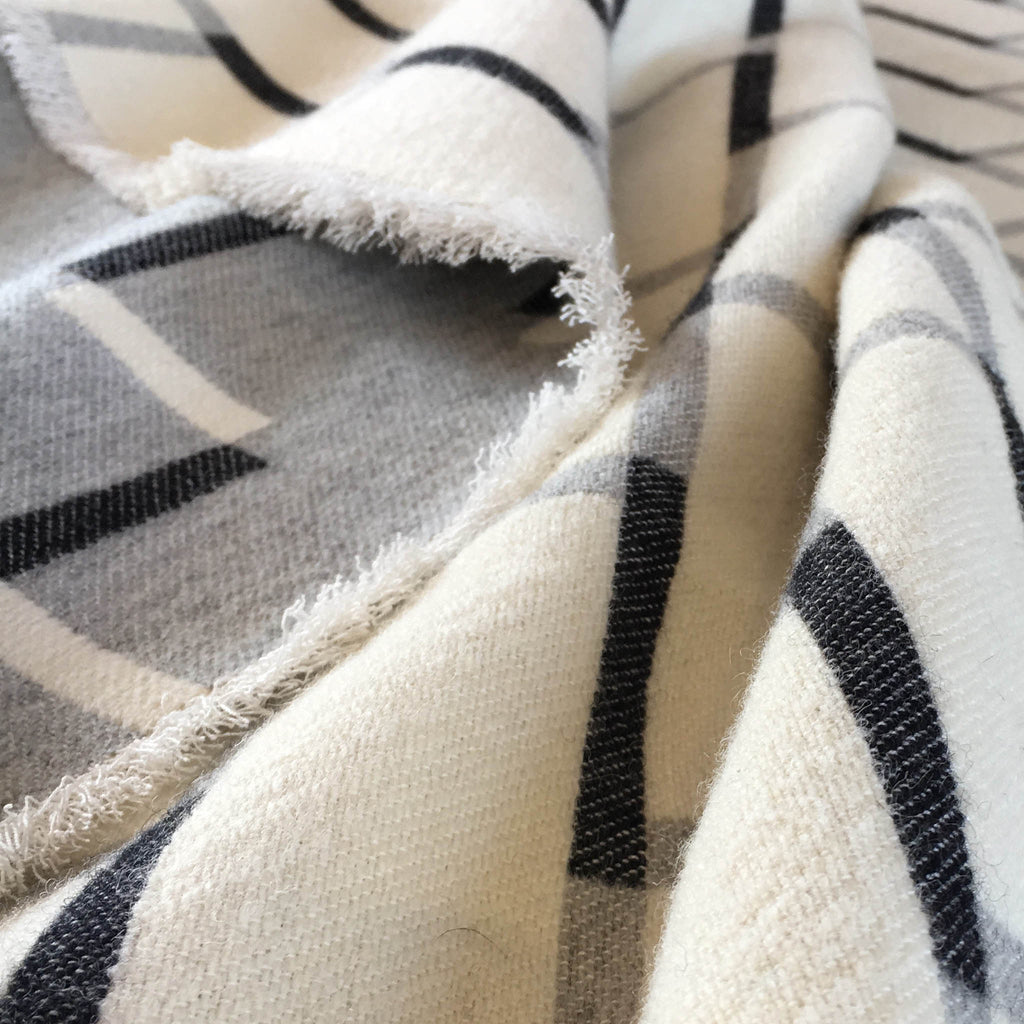 Steps Blanket | Pearl Grey