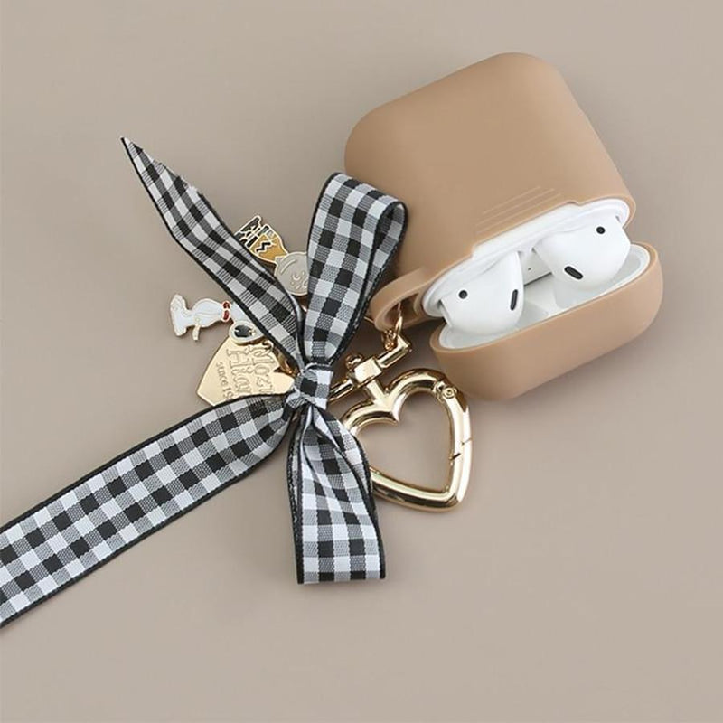 Scarlett Bow x Snoopy AirPod Case