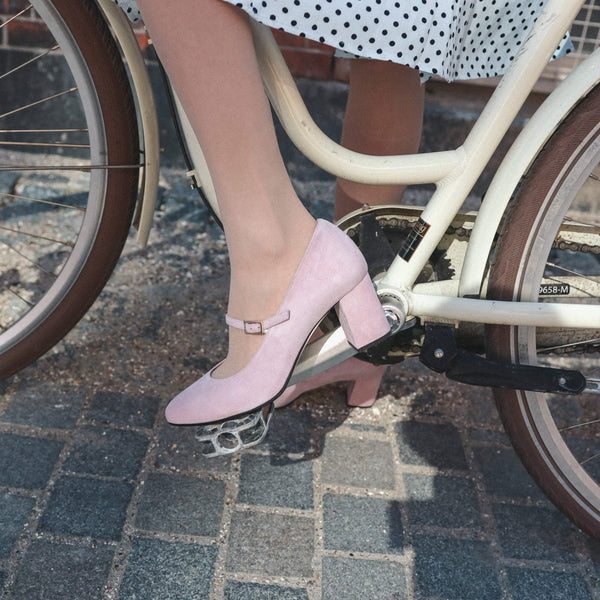 How to style your pumps?