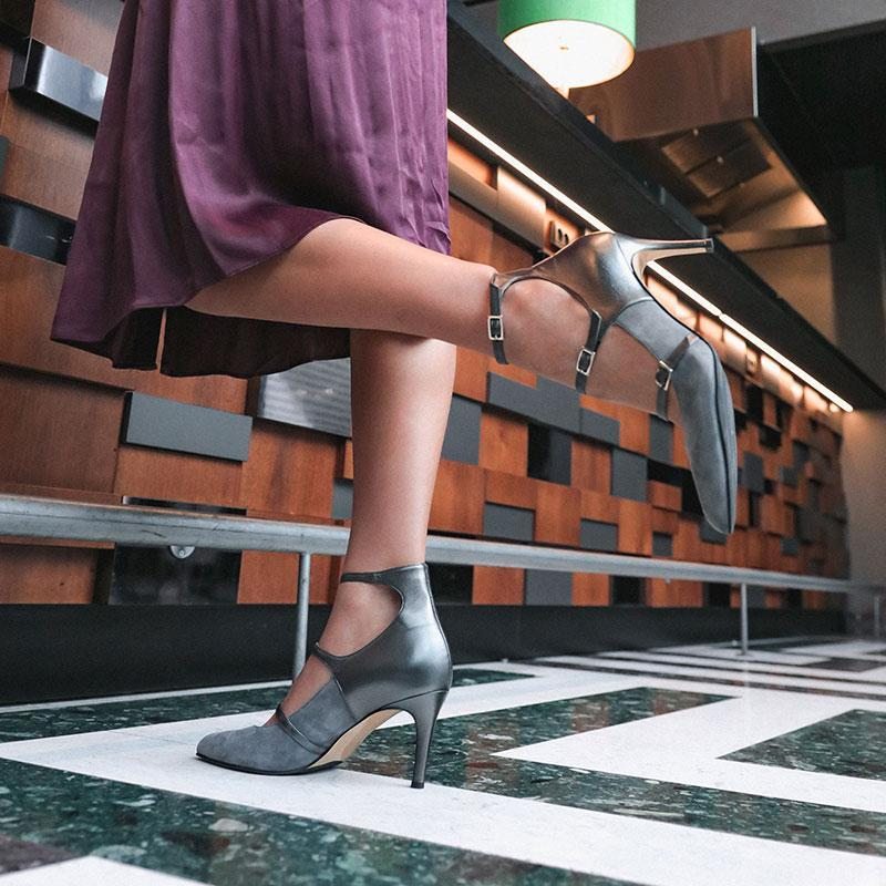 darling-grey-suede-pump-roccamore