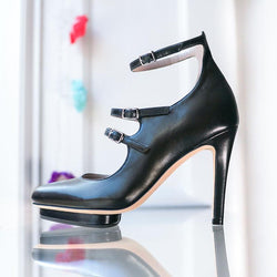 raven-black-leather-strappy-platfom-pump-roccamore