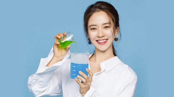 Song Ji Hyo's Skincare Secret – Is Sunscreen Really Enough?