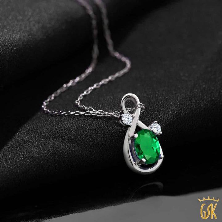 0.68 Ct Green Simulated Emerald White Created Sapphire 925 Silver Pendant - Jewelry