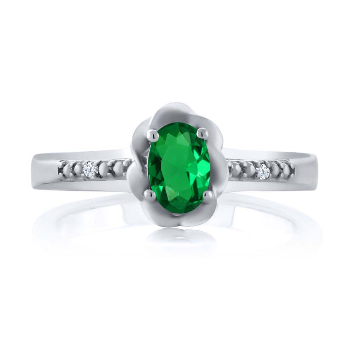 0.42 Ct Oval Green Simulated Emerald White Topaz 925 Sterling Silver Ring