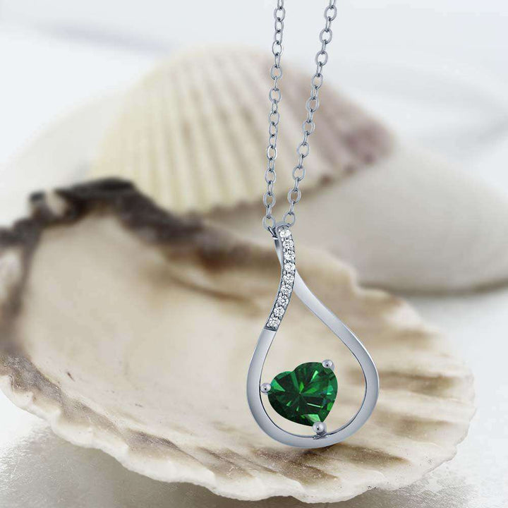 0.79 Ct Heart Shape Green Simulated Emerald 925 Sterling Silver Pendant