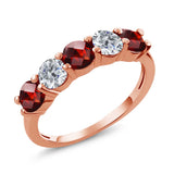 Gem Stone King 1.05 Ct Round Checkerboard Red Garnet G/H Diamond 18K Rose Gold Plated Silver Wedding Band Ring