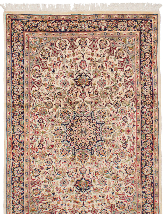 Hand-knotted Pakistani Bohemian  Traditional Pako-Persian-18/20 Area rug  Cream 4 x 6.3