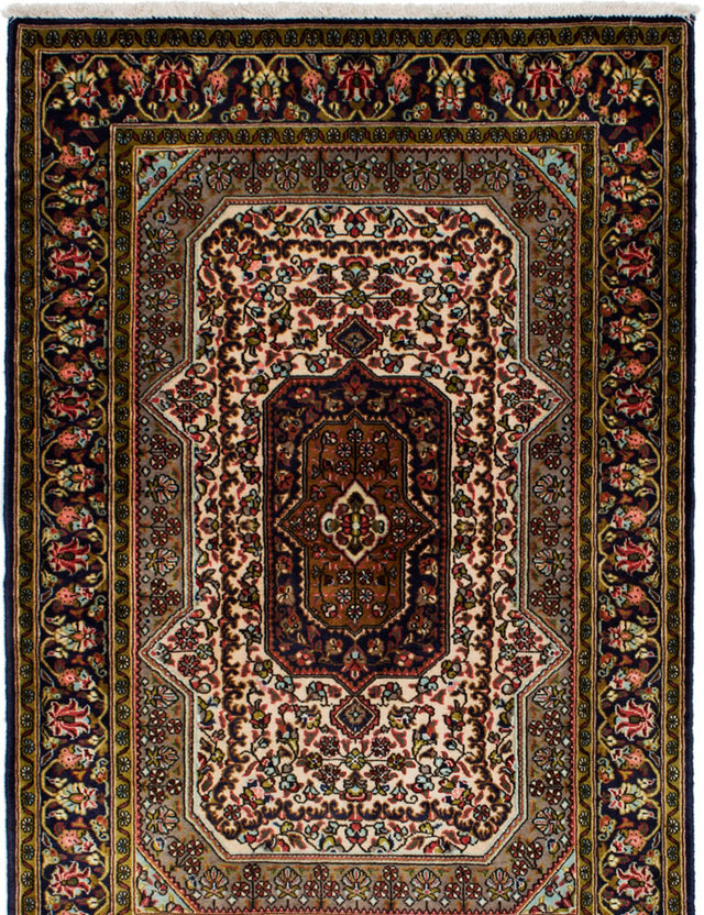 Hand-knotted  Bordered  Traditional Qum Area rug  Cream, Olive 3.6 x 5.2