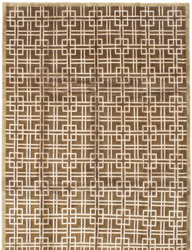 Hand-knotted  Bordered  Transitional Silk-Touch Area rug  Dark Brown 7.9 x 9.9