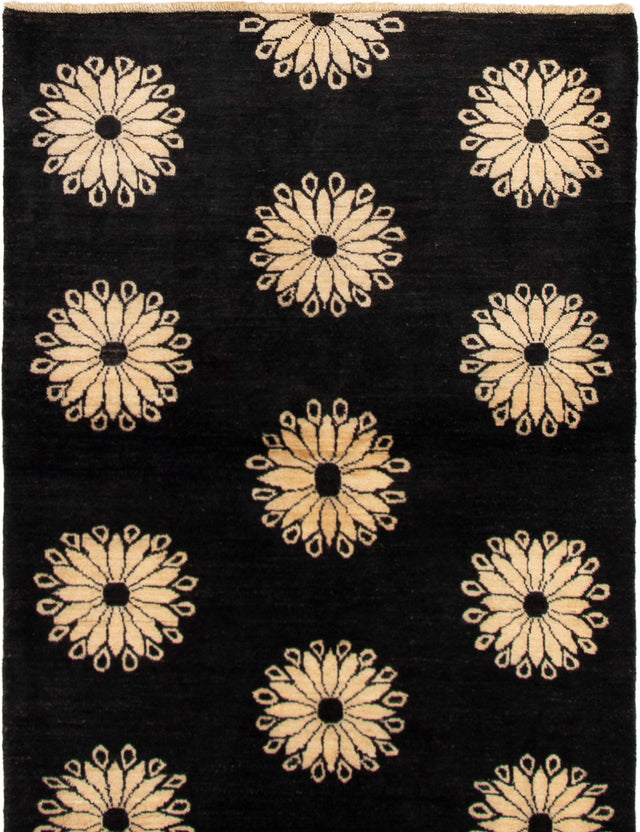 Hand-knotted Area rug Floral, Transitional Black