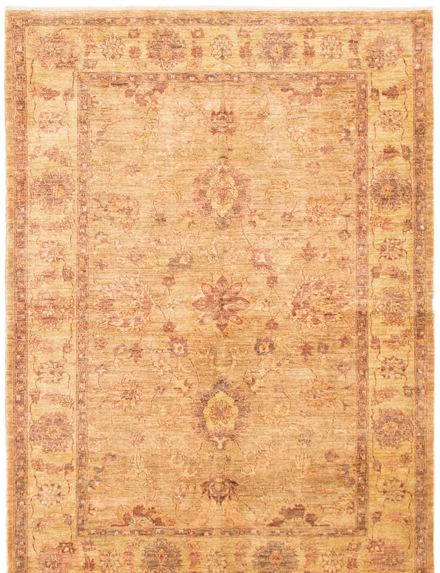 Hand-knotted Area rug Bordered, Floral, Traditional Green