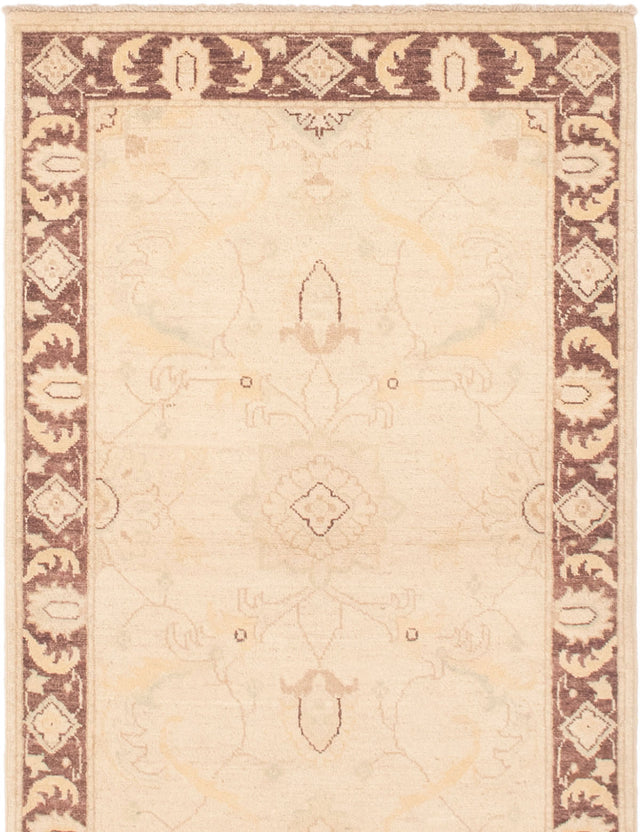 Hand-knotted Area rug Bordered, Traditional