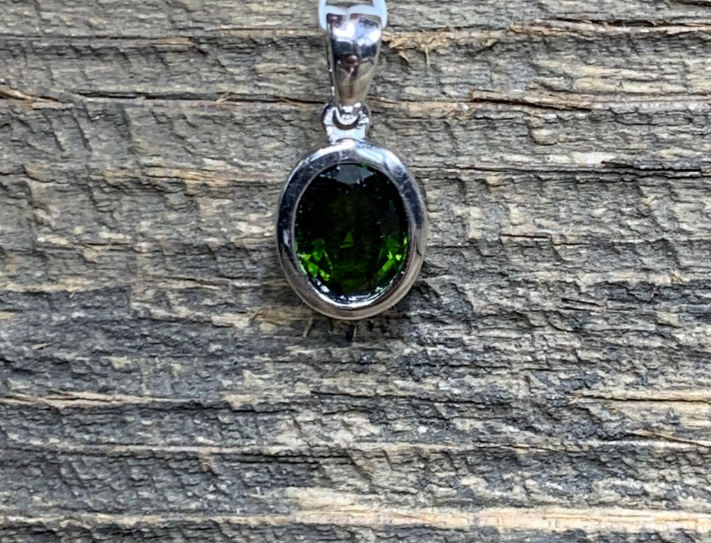 Chrome Diopside Oval Bezel Set Pendant - Zero Point Crystals