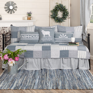SAWYER MILL BLUE 5PC DAYBED QUILT SET (1 QUILT, 1 BED SKIRT, 3 STANDARD SHAMS)
