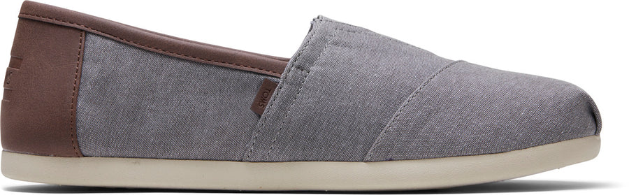 6a4bc318407c Frost Grey Chambray Mens Classics Ft. Ortholite