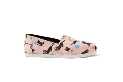 Strawberry Cream Kitties Canvas Women's Classics Ft. Ortholite