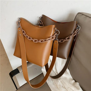 Madeline bucket bag