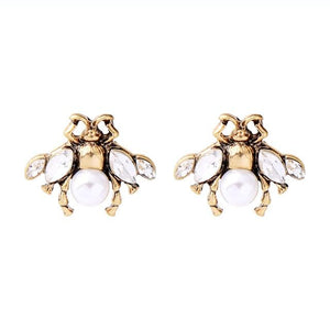 Neoma Pearly bee earrings