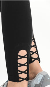 Criss Cross Solid Leggings