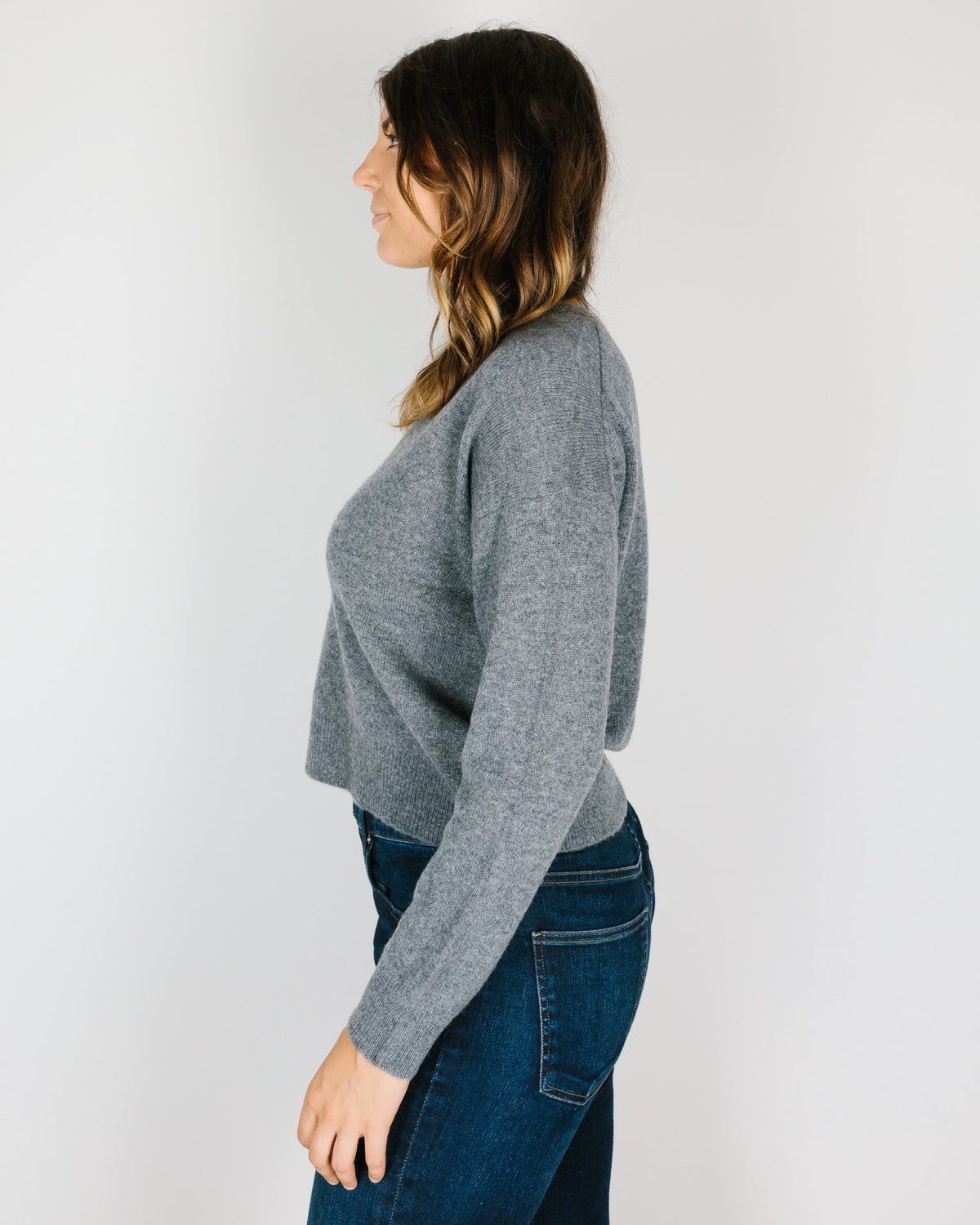 360 Cashmere Clothing Niomi Cropped V Neck in Mid Heather Grey