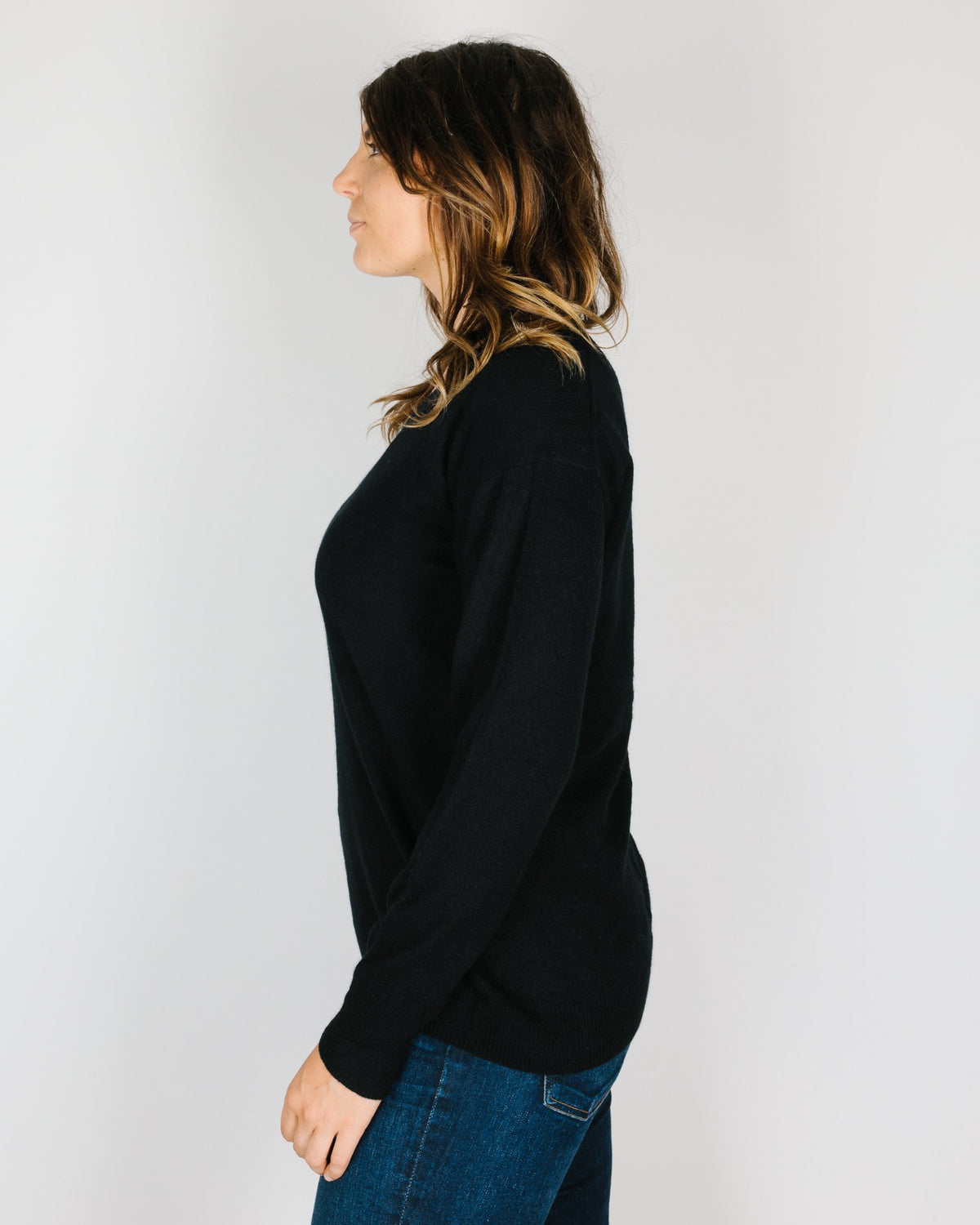 360 Cashmere Clothing Posie Long V Neck in Black