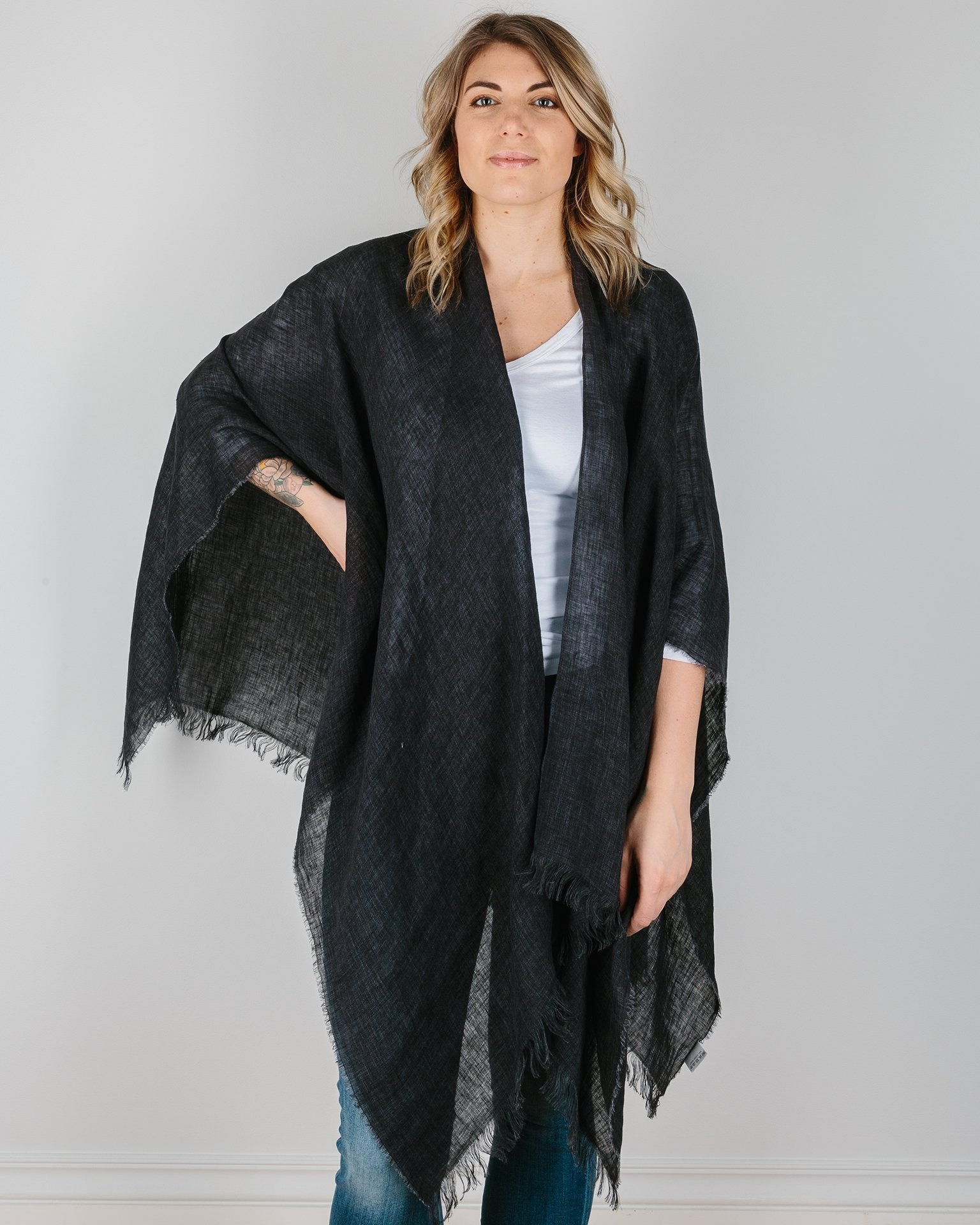 Destin Accessories Black / O/S The Cape