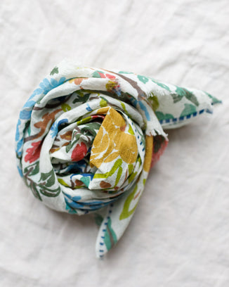 Épice Accessories Floral Linen Scarf in Golden 2193