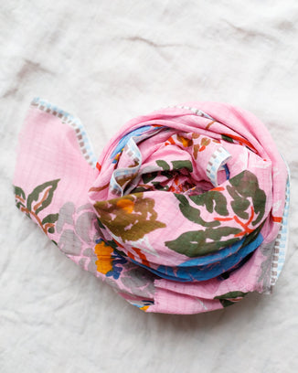 Épice Accessories Roses Cotton Scarf in Pink