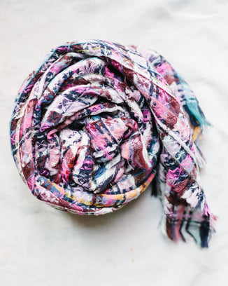 Épice Accessories O/S / Pink Woven Plaid Sm Scarf in Pink