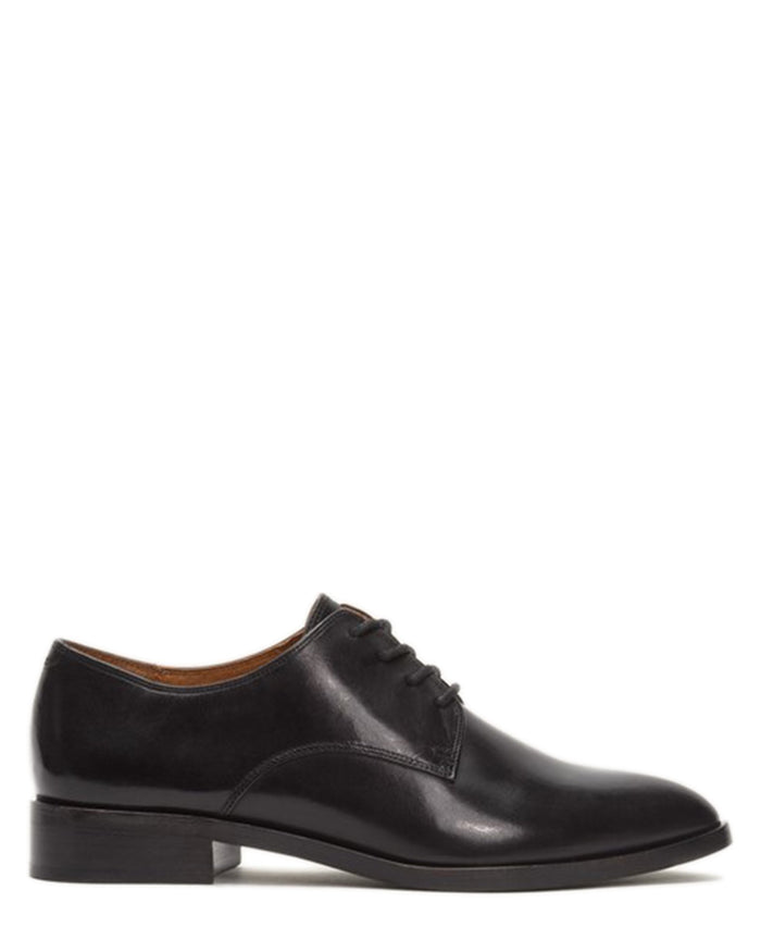 Frye Shoes Black / 6 Erica Oxford
