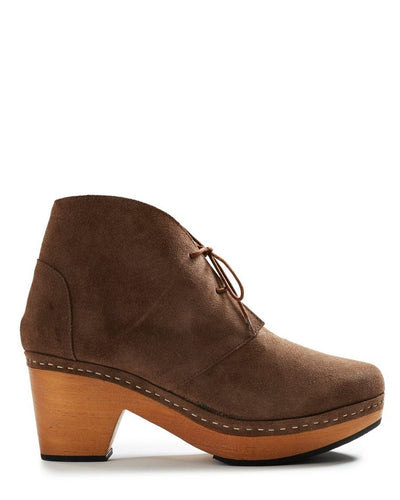 Lisa B. Shoes Mushroom / 36 Smooth Toe Suede Clog Bootie