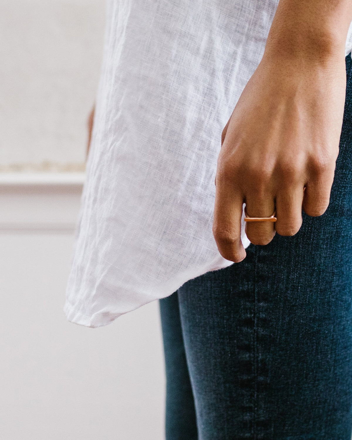 Nashelle Jewelry Faceted Bar Ring in Gold
