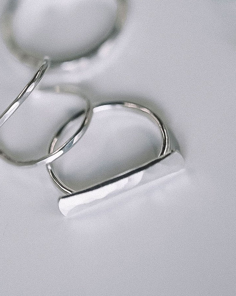 Nashelle Jewelry Faceted Bar Ring in Silver