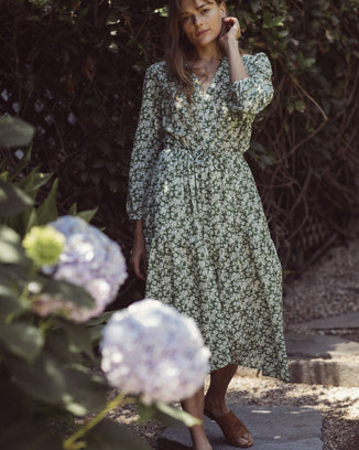Trovata Clothing Ainsley Dress in Greenbriar Floral