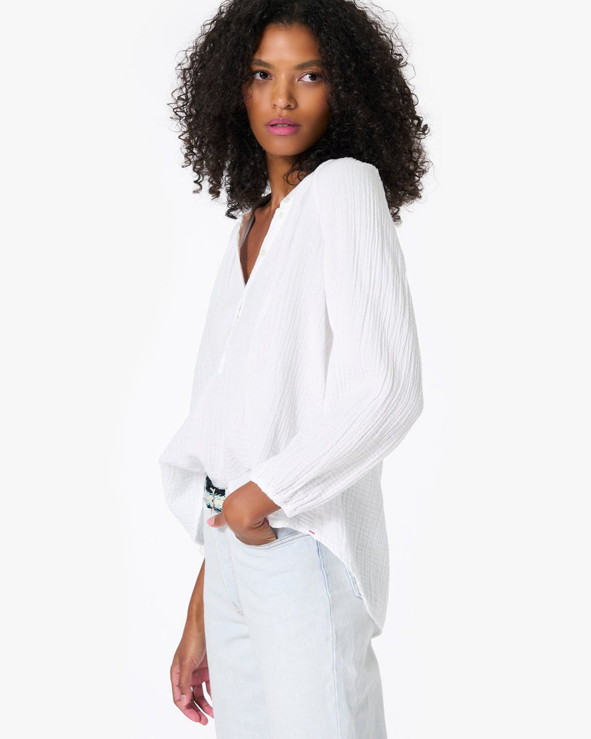 XiRENA Clothing Aerin Top in White