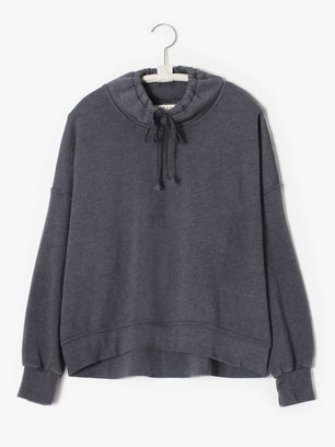 XiRENA Clothing Chase Sweatshirt in Ember