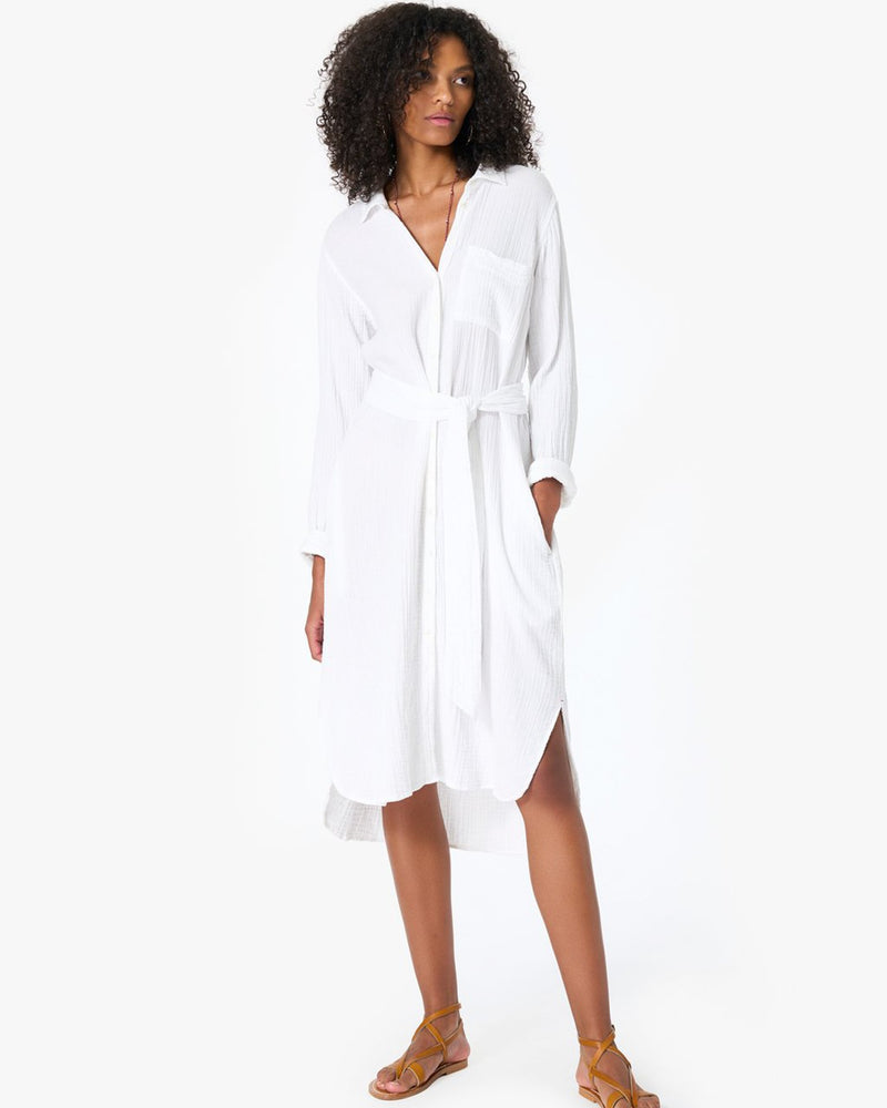 XiRENA Clothing Scarlyt Dress in White