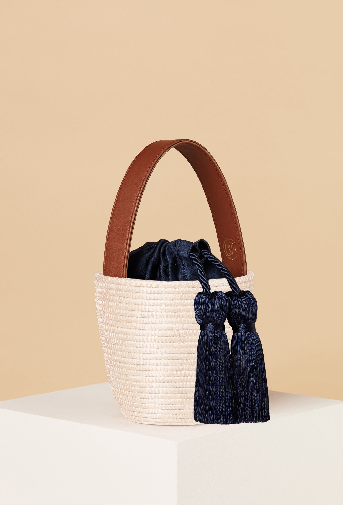 Neutral/Navy Party Pail