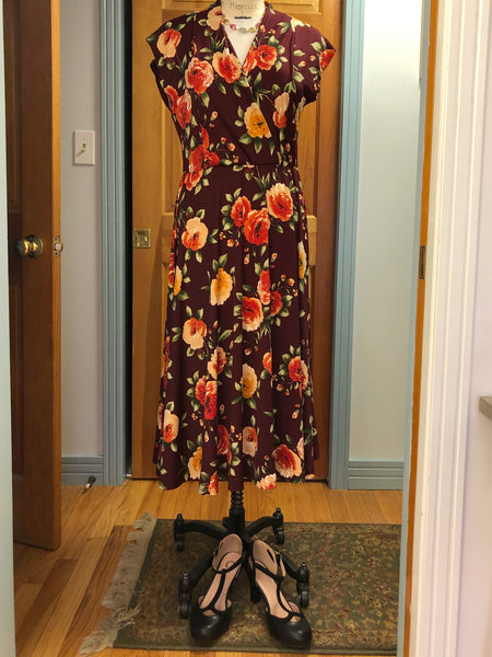 Thoughts on Naughty Bobbin Patterns' Amare Dress