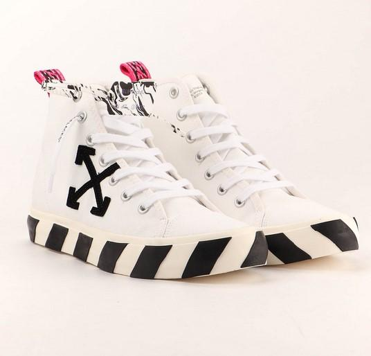 Off-White Mid Top Vulcanized White / Black