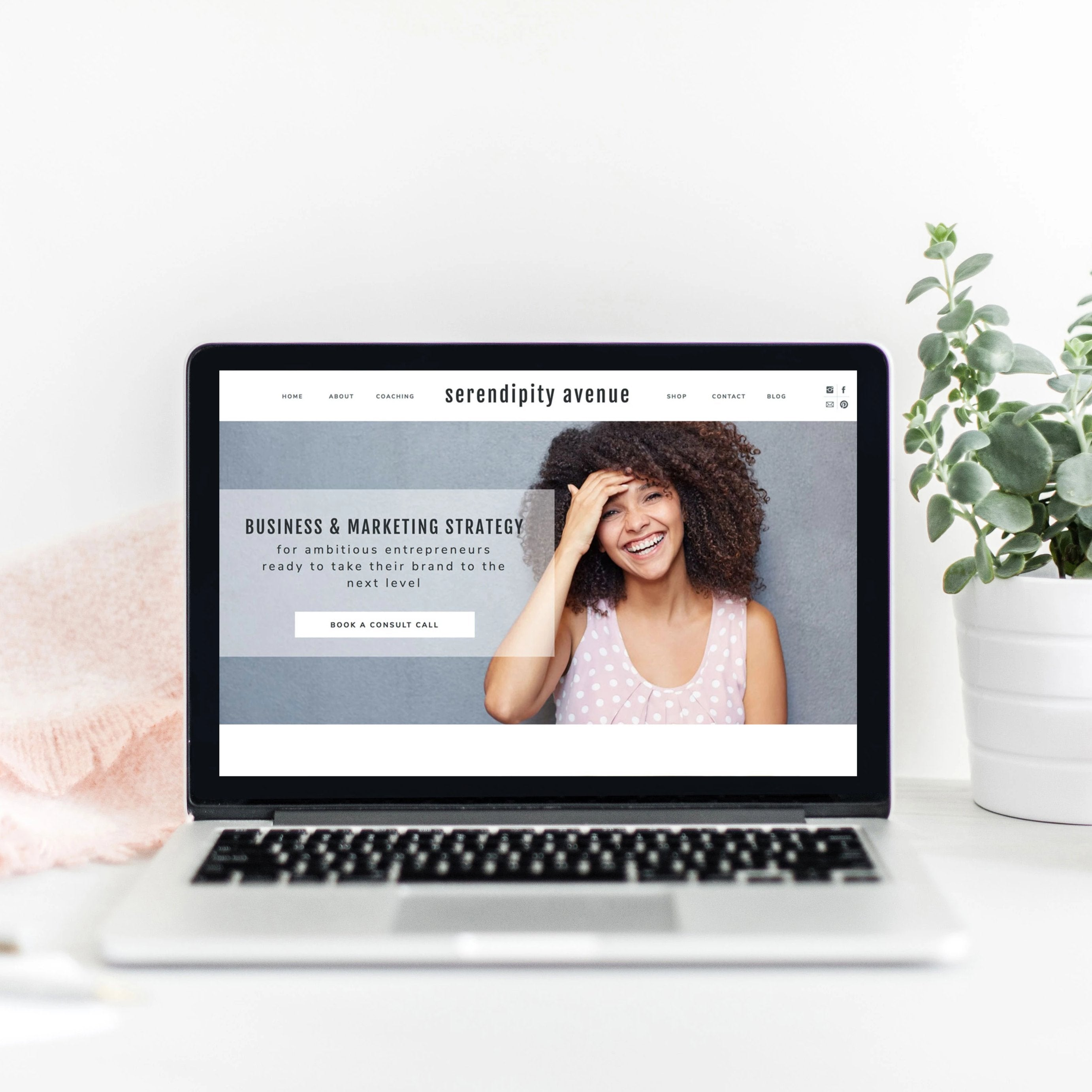 """Serendipity"" Showit Template"