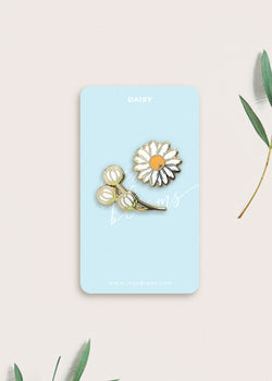 Daisy Flower Pin