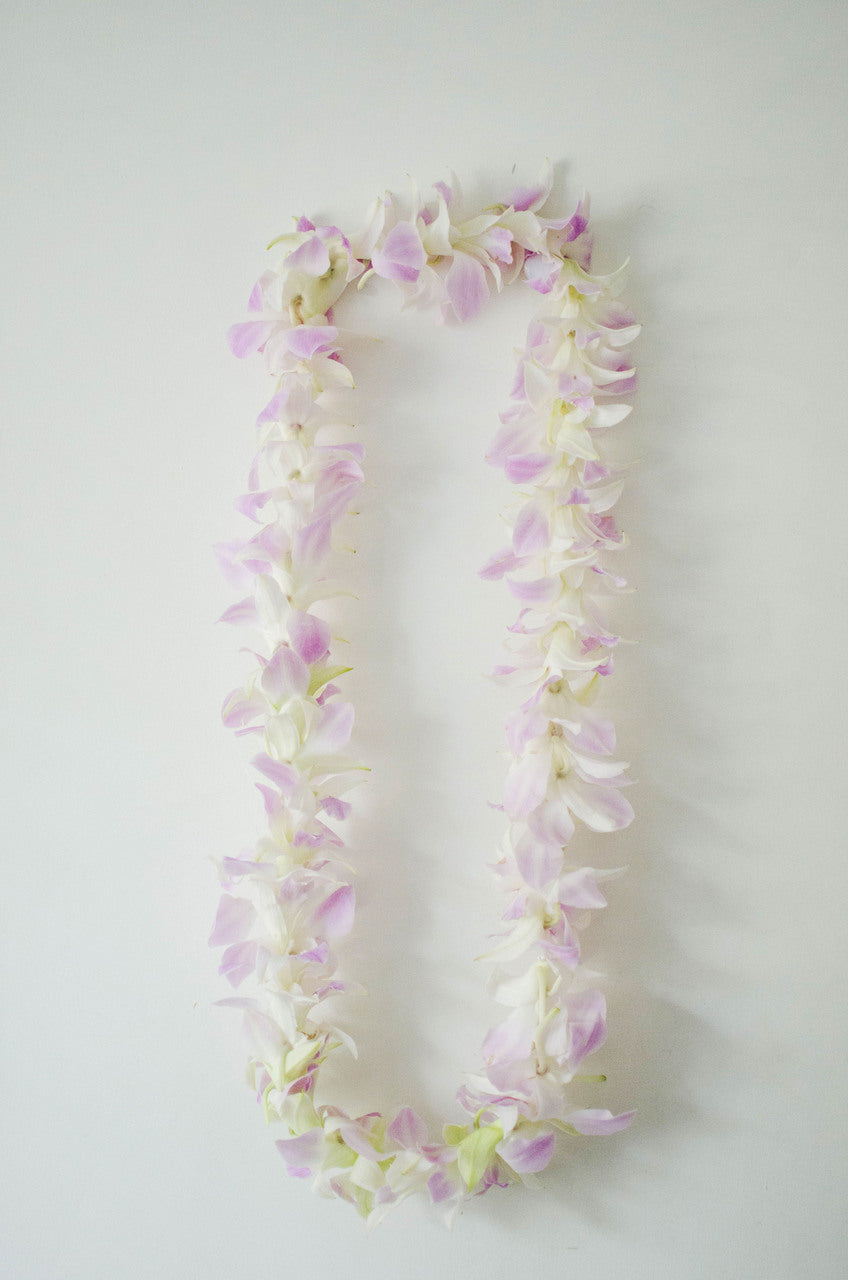 Single Light Pink Orchid Lei