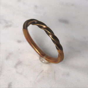 Brass twist ring - Size 9