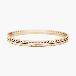 Brazalete rose gold bangle troquelado con circones