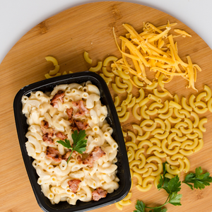 Crispy bacon topped macaroni and cheese 300g